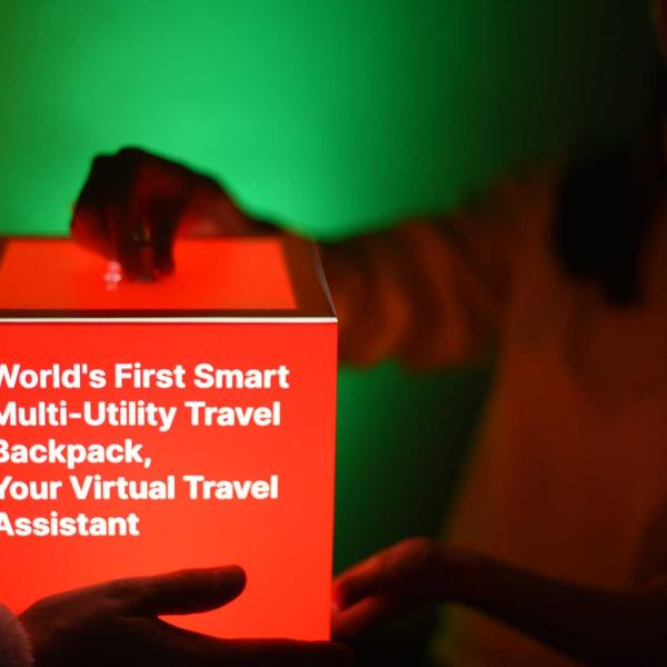 personalized-red-light-cube-startup