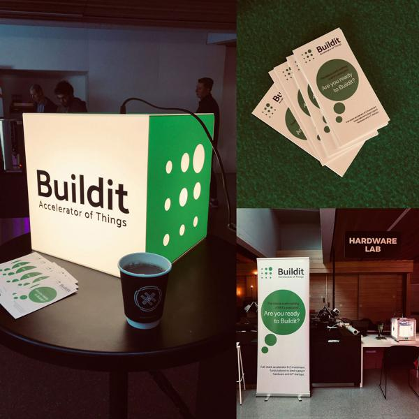 personalized-light-cube-startup-trade-show