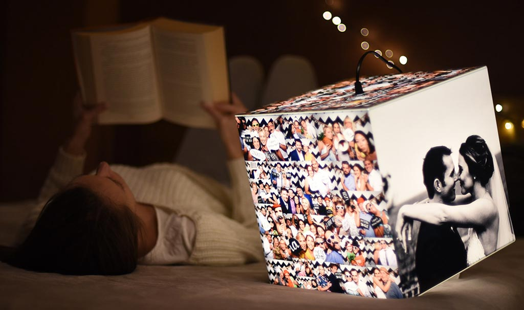 Uniqcube personalized lamp as a wedding gift