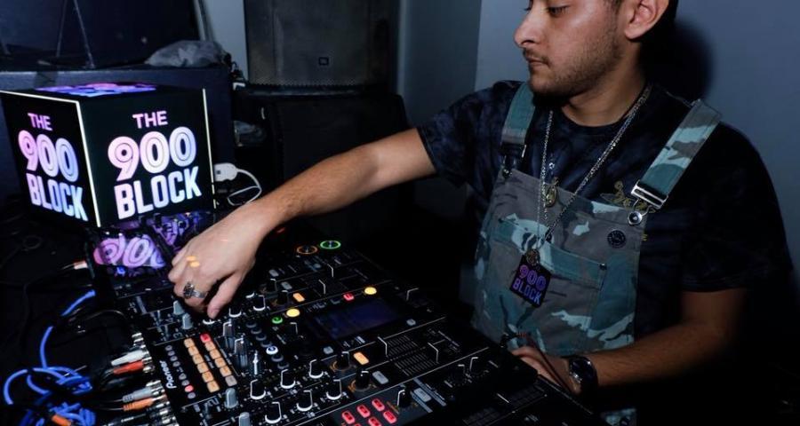 DJ Light Box – A Way to Brand DJ Live Streams