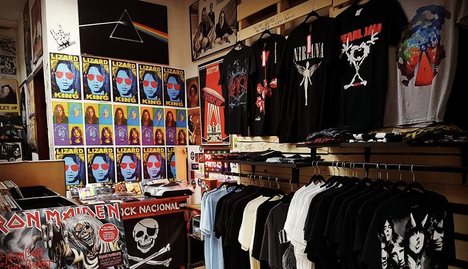 Must-have merchandise for artists in the recording industry 2020