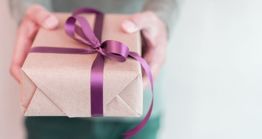 Easy peasy.. 5 custom photo lamps for carefree gift-giving